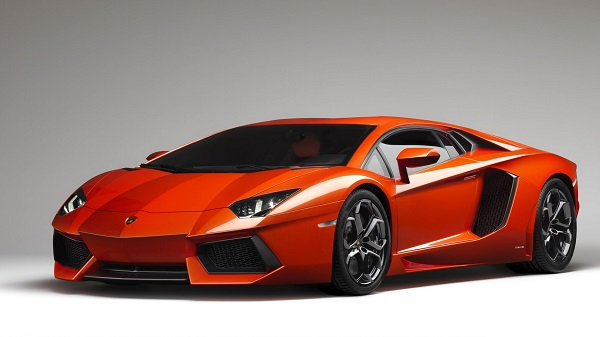 lamborghini-aventador-in-orange-color-wallpaper